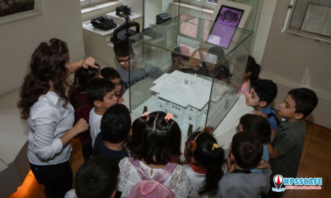 Türkiye İş Bankası Müzesi atölyelerinde 100 binden fazla öğrenciyi ağırlad