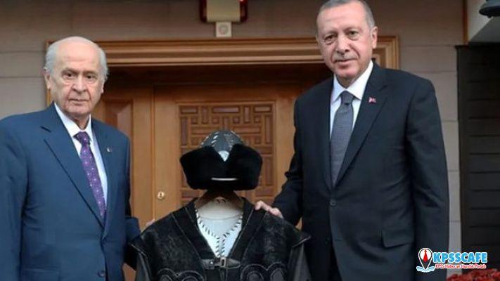 Bahçeli'nin Erdoğan'a hediye ettiği Hakan kaftanının sırrı