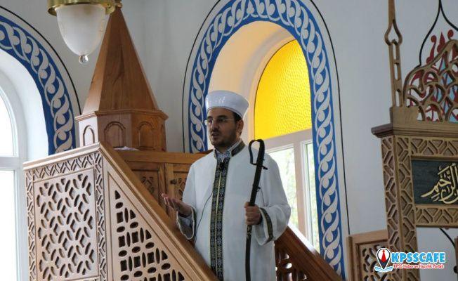 Samsun'daki bir caminin 944 yıllık geleneği: İmamlar hutbeye kılıçla çıkıyor