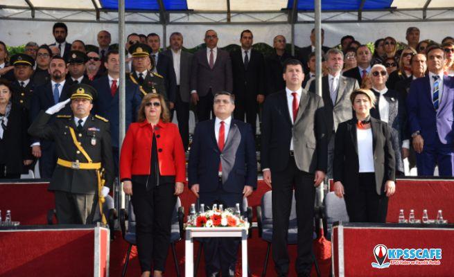 Kadıköy'de Klasik Otomobilli Resmi Geçit Töreni