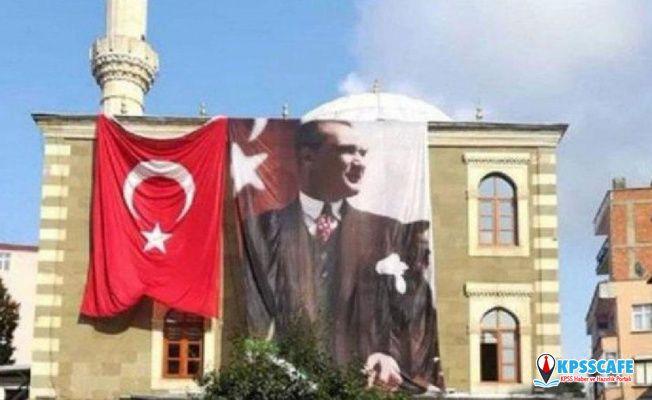 Cami deposundan Atatürk posteri ve Türk Bayrağı'nı çaldılar
