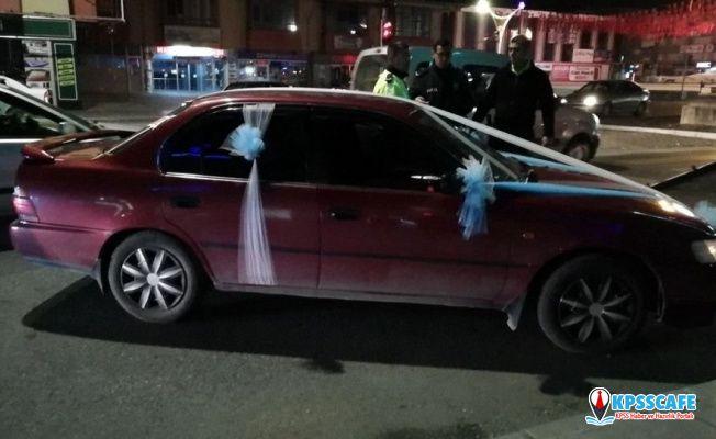 Gelin arabasını polisin üzerine süren sürücü gözaltına alındı