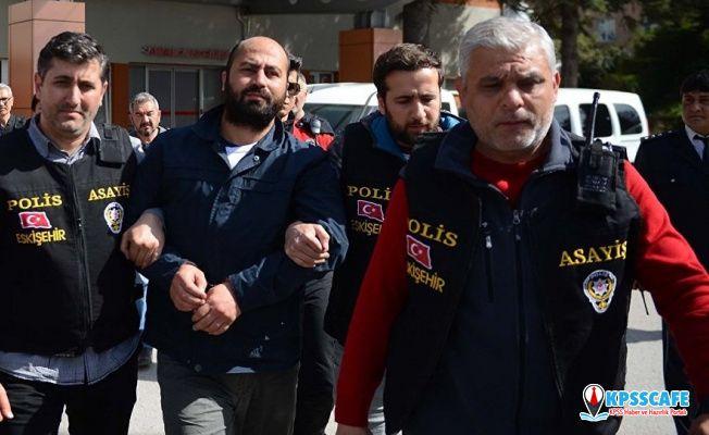 Eskişehir'de 4 akademisyeni öldüren Bayar duruşmada hakaret etti, SEGBİS kapatıldı