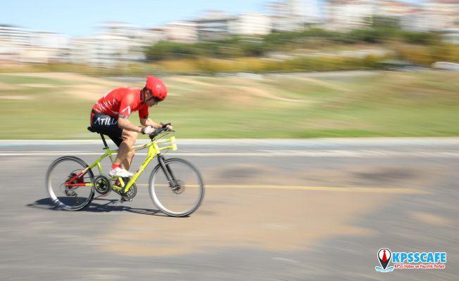 200 kilometre hıza ulaşmak için pedal çevirecek