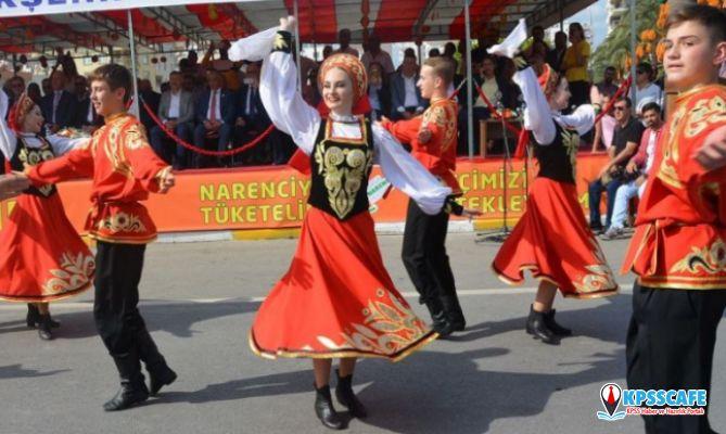 Mersin Narenciye Festivali'nde Rusya Dans Ekibi'nin gösterimi yoğun ilgi gördü