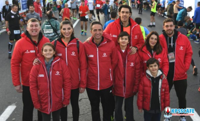 Ünlü isimler vodafone istanbul maratonu'nda çocuklar için koştu...