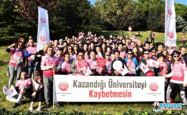 """Türk Eğitim Vakfı Gönüllüleri, Gençler """"Kazandığı Üniversiteyi Kaybetmesin"""" Diye Kepleriyle Koştu!"""