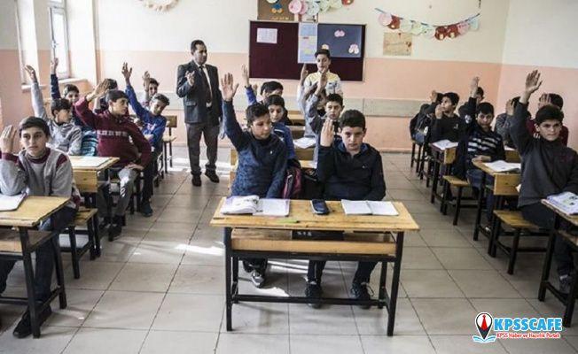 Suriyeli öğrenciler için 'uyum sınıfları' açıldı: 'Günaydın', 'nasılsınız', 'hoş geldiniz' gibi kalıplar da öğretiliyor