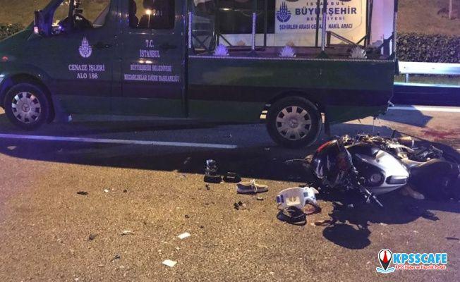Arızalanan araçtaki cenazeyi başka araca nakleden kalabalığın arasına motosiklet daldı: 5 yaralı