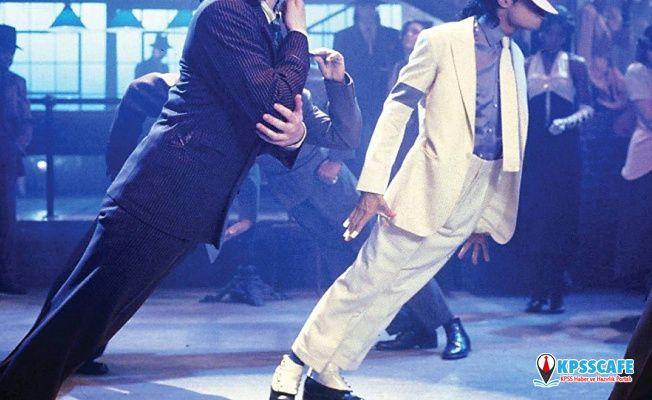 Michael Jackson'ın moonwalk çorapları satışa çıkıyor
