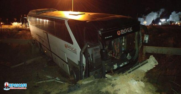 Bursaspor taraftarlarını taşıyan otobüs ile tır çarpıştı: 15 yaralı!