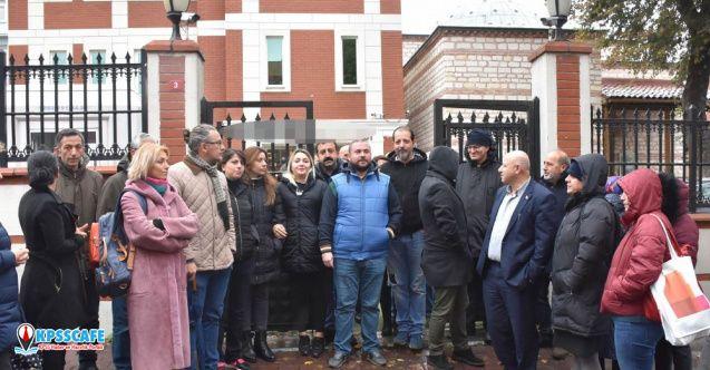 Doğa Koleji'nin önünde protesto: '3 aydır maaş alamayan öğretmenler, derslere girmiyor'