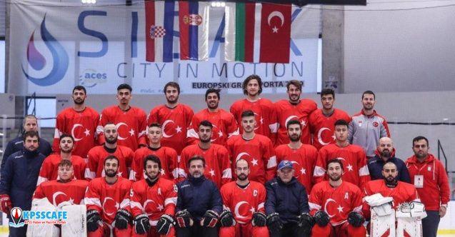 Hırvatistan'da yarıda kesilen marşı sporcular bitirdi!