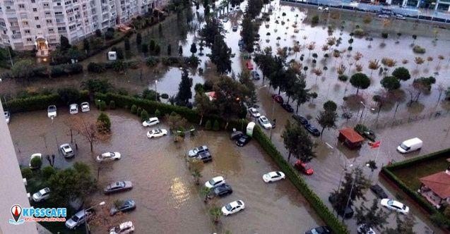 Sağanak ve lodos etkisini sürdüyor: İstanbul ve Bursa'da seferler iptal