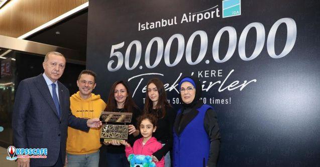 Erdoğan 50 milyonuncu yolcuya plaket ve bilet verdi!