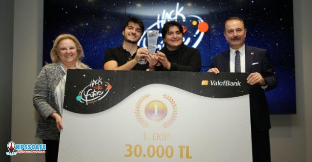 VakıfBank Hack to the Future'da gençler geleceği kodladı!