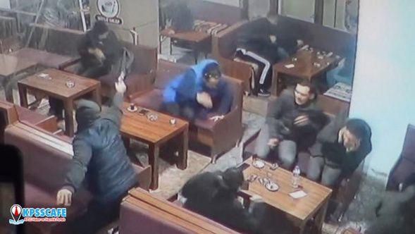Bursa'da çay ocağında silahlı saldırı! Dehşet anları kamerada