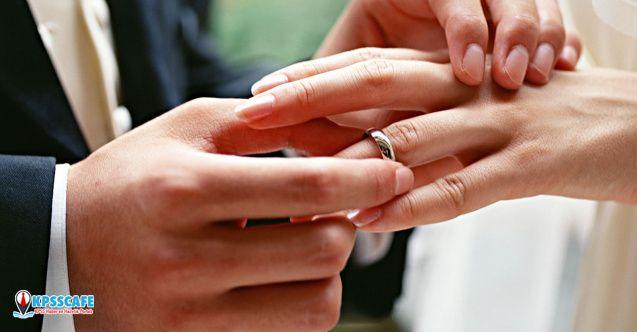 14 Şubat'ta en çok parayı sözlü-nişanlı erkekler harcıyor