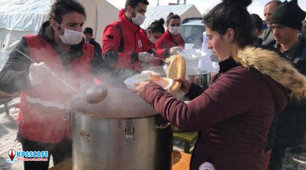 Kızılay'dan Van'daki Depremzedelere Üç Öğün Sıcak Yemek Veriliyor!