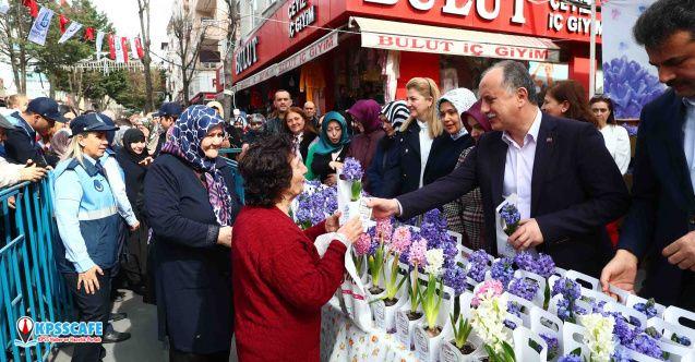 Kadınlar Günü'nde Sokaklar Sümbül Koktu!