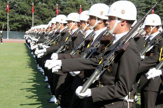 KPSS'li ve KPSS'siz MSB Kadın-Erkek Subay Alımı Bekleniyor!
