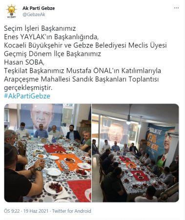 Ak Parti Kocaeli Gebze Teşkilatı'nın Türk Bayrağını Masa Örtüsü Olarak Kullanması Büyük Tepki Çekti!