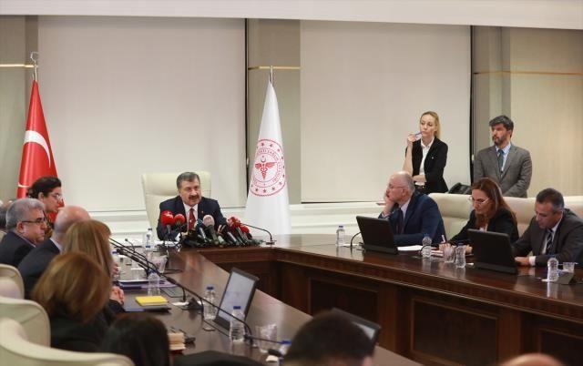Kısıtlamalar Geri Gelecek mi? Sağlık Bakanı Fahrettin Koca Cevap Verdi