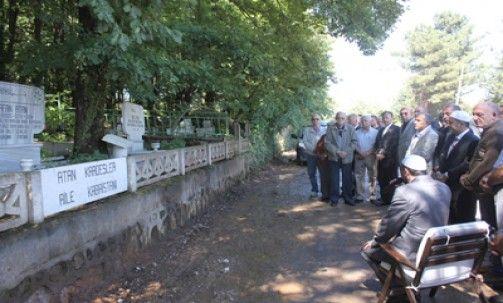 Atan kardeşler mezarları başında anıldı
