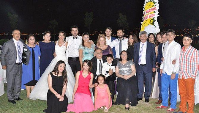 Dr. İlhan Tan oğlunu evlendirdi