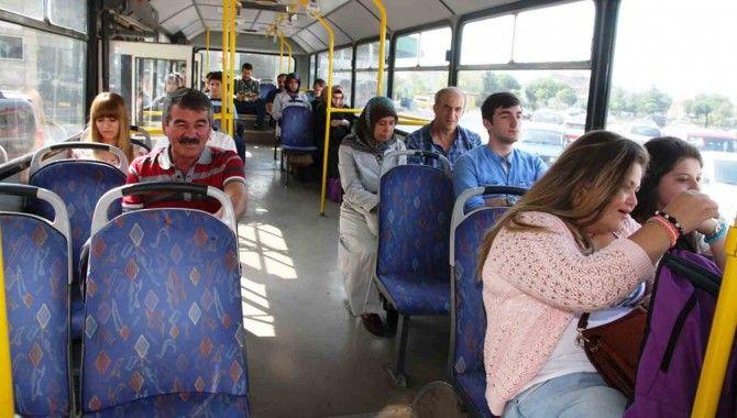 Büyükşehir'den yeni öğrencilere ulaşım kıyağı