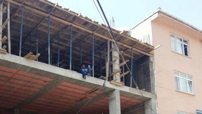 İstediği ilacı alamadı, inşaatın tepesine çıktı