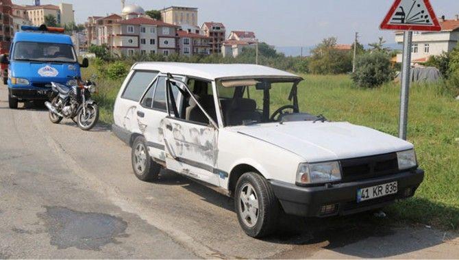 Gölcük'te kaza; 2 yaralı
