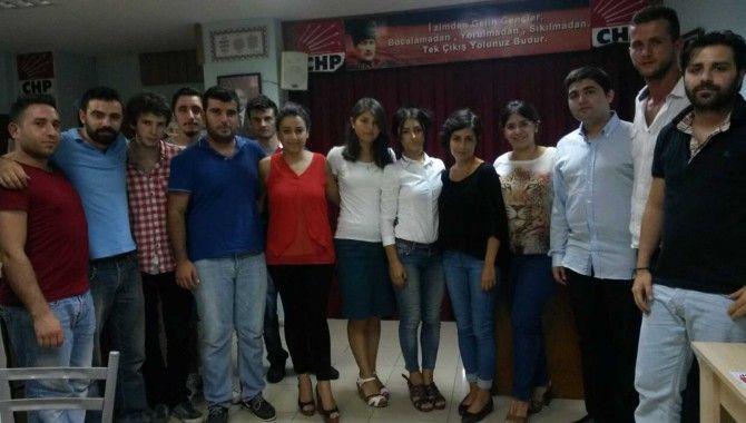 CHP'li gençler Karamürsel için kolları sıvadı
