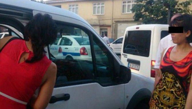 İki yabancı hayat kadını yakalandı