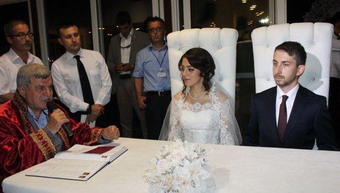 Aygün'ün kızının nikâhına siyasi akını