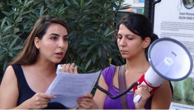 Kadınlar gözaltılara tepki gösterdi
