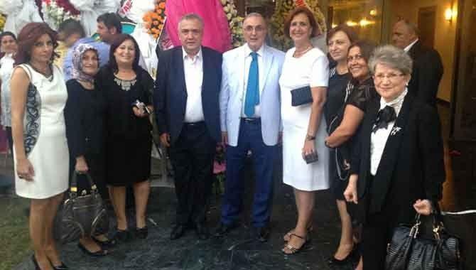 CHP YDK üyesi Öğüt yeğeninin düğününe katıldı