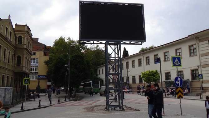 Reklam panosu yenilendi