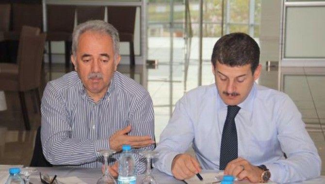 AK Parti'de istişareler bugün İzmit'le sürüyor