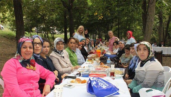 Ak Partili kadınlar piknikte buluştu