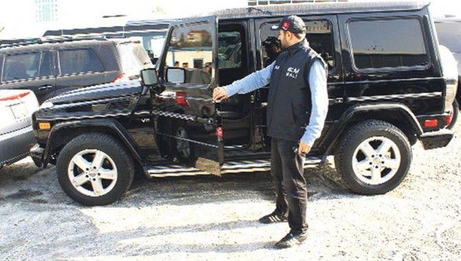 Gebze'de Sibel Can'ın aracı çürüyor