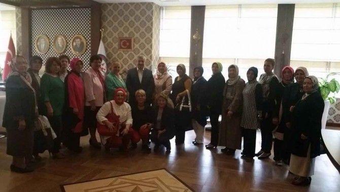 Ak Partili kadınlardan Özlü ve Baran'a ziyaret