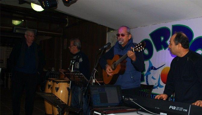 80'lerin müzisyenleri aynı sahnede