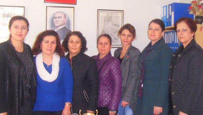 CHP'li kadınlar, muhtarlarla görüştü
