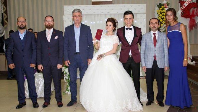 Başkan Ellibeş personeline nikah kıydı