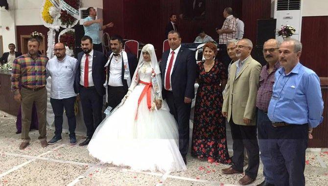CHP Kartepe tam kadro düğünde
