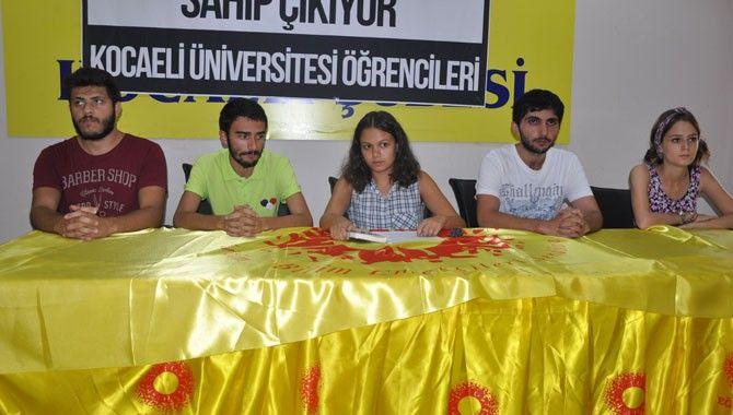 Öğrencilerden ihraç edilen akademisyenlere destek