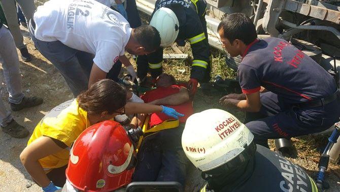 Devrilen kamyonetin altında can pazarı: 2 ölü, 1 yaralı