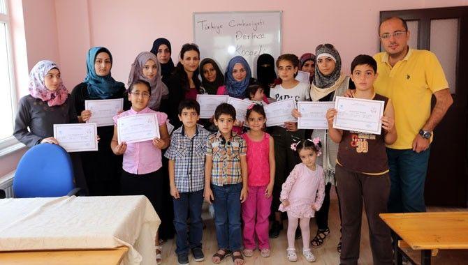 Derince'deki Suriyeliler Türkçe öğrendi