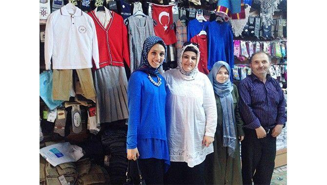 İzmit Belediyesi'nden öğrencilere okul kıyafeti